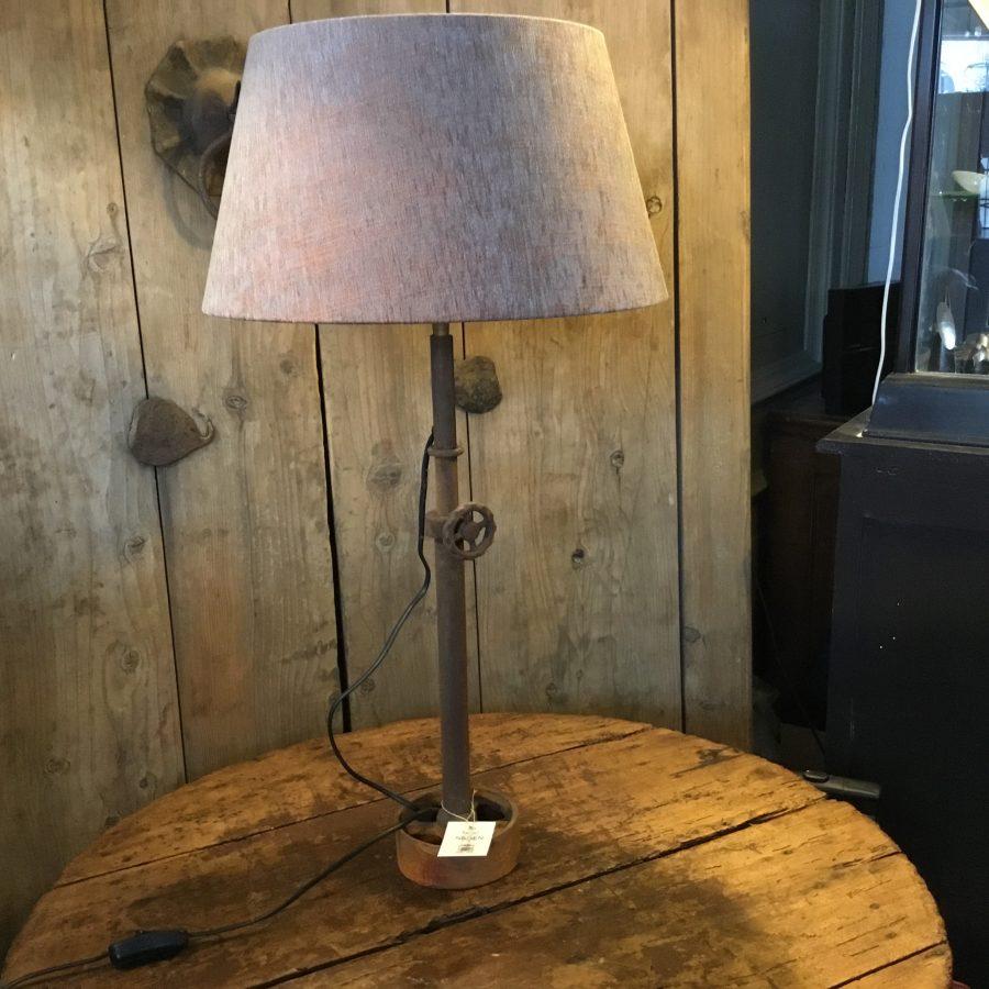 industriele lamp geroest