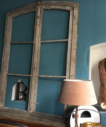 antiek houten raam kasteel